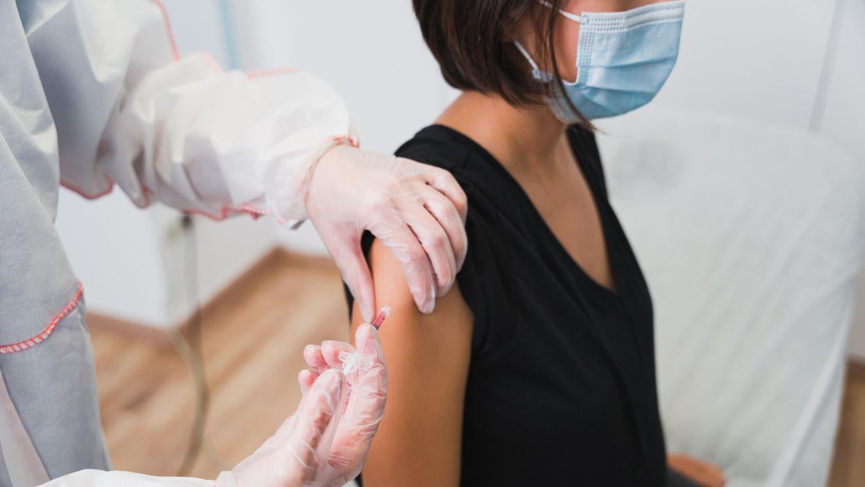 Giờ đây, khuyến cáo chính thức cho những người mang thai nên tiêm vắc xin COVID