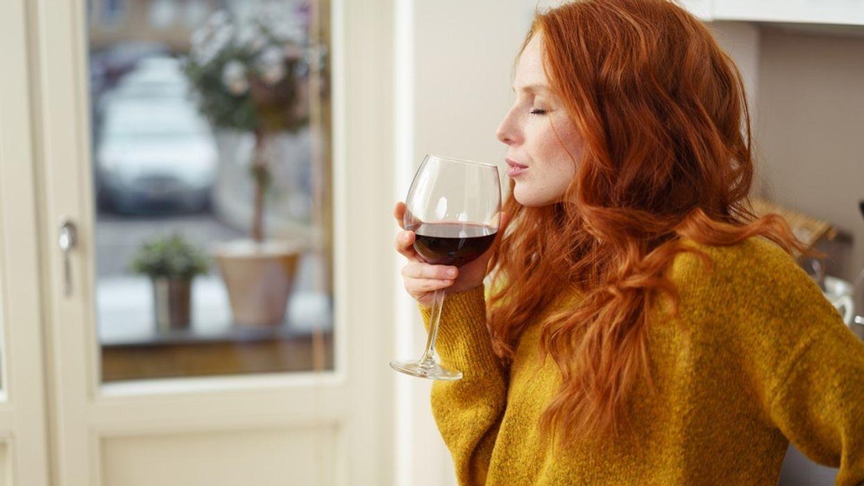 Tôi có thể uống rượu nếu tôi đang cho con bú không?