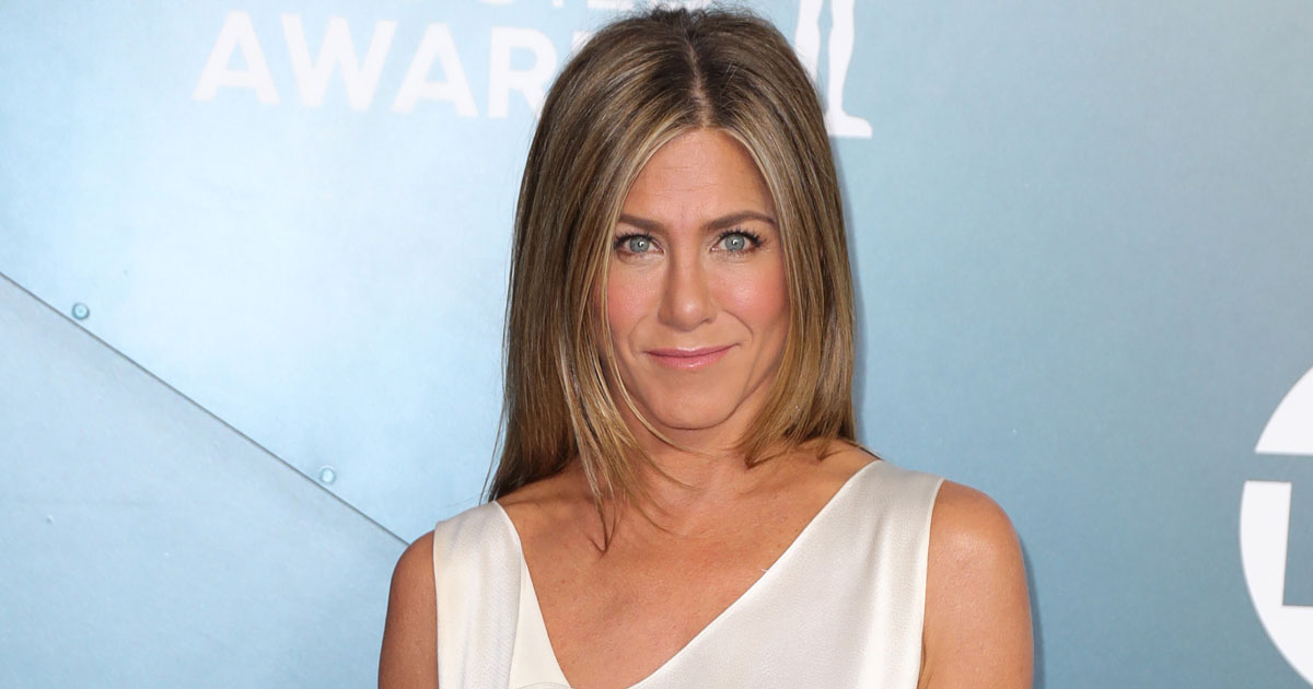 Jennifer Aniston nói rằng cô ấy đã cắt đứt những người bạn từ chối tiêm chủng