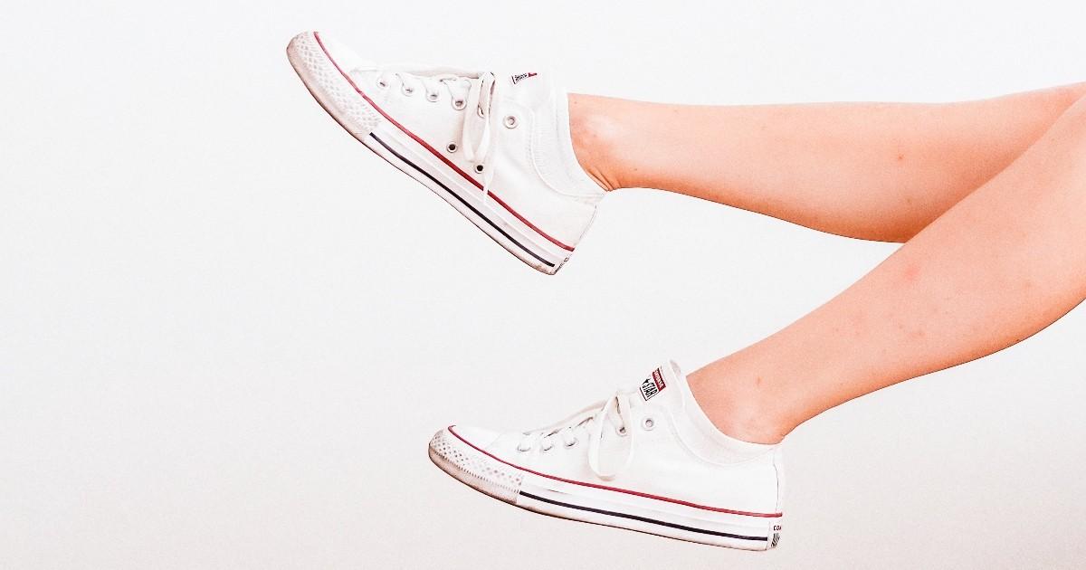 Cách đo kích thước giày, từ thiết bị Brannock đến các tùy chọn tại nhà