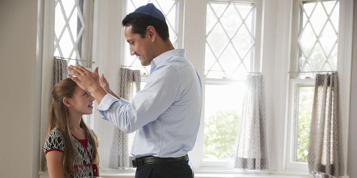Cách nói chuyện với con bạn về lịch sử và văn hóa Do Thái