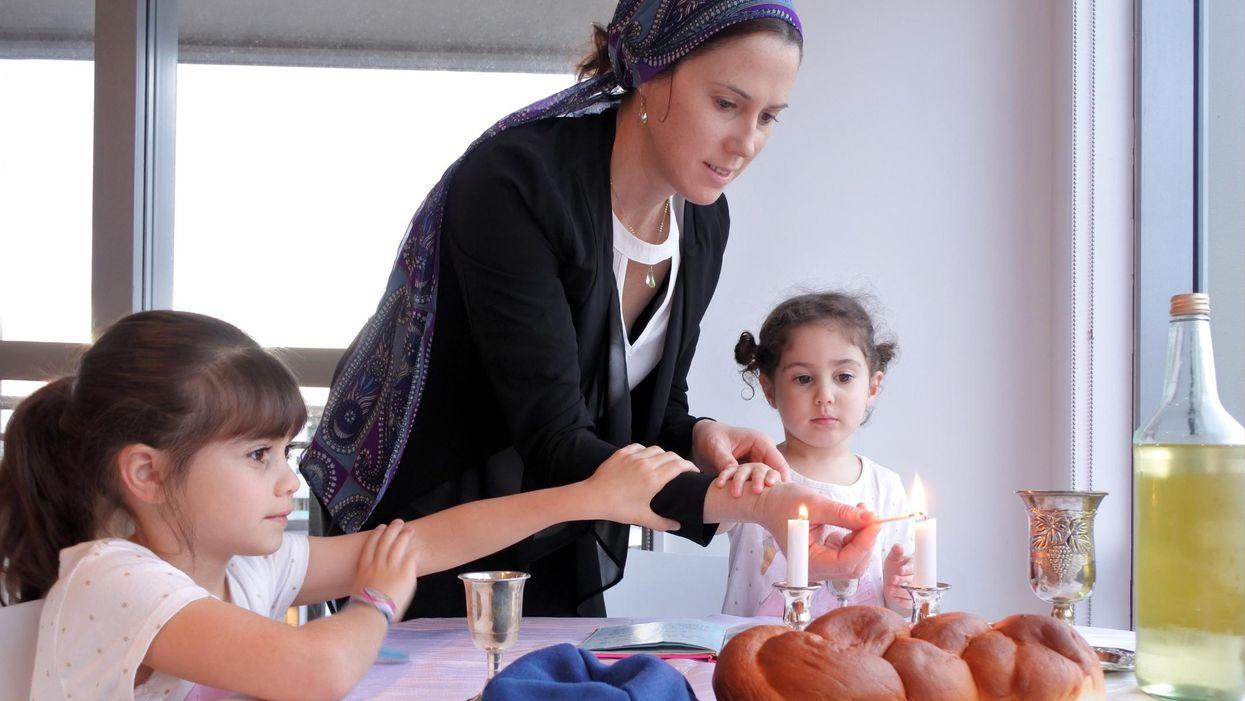 Tôi đang dạy con mình yêu di sản Do Thái như thế nào
