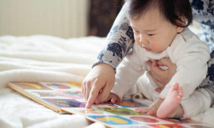 40% cha mẹ bắt đầu đọc sách cho con trước khi con được 3 tháng tuổi