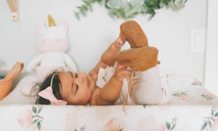 Các mốc phát triển của bé 7 tháng tuổi