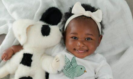 Các mốc phát triển của bé 6 tháng tuổi