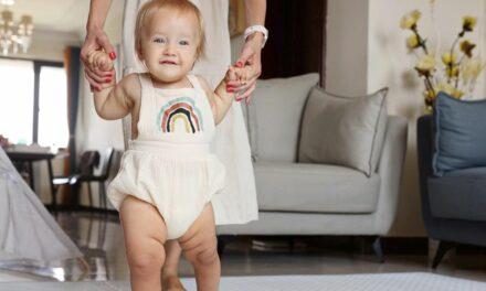 Các mốc phát triển của bé 12 tháng tuổi