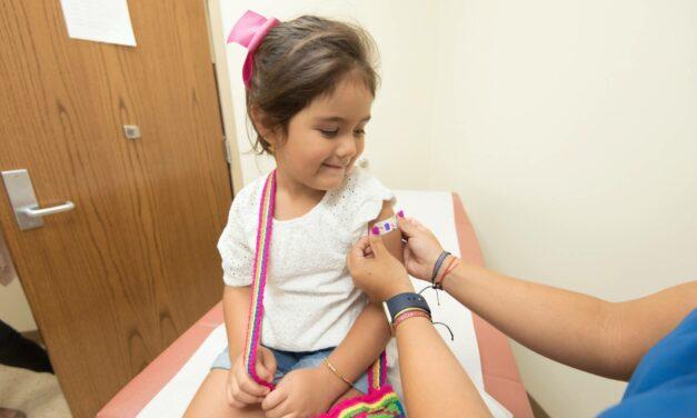 Hộ sinh và Cuộc sống – Nên Dự trữ Thứ gì trong Tủ Thuốc vì Sức khỏe Con nhỏ của Bạn