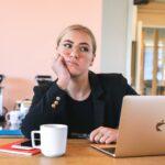Nữ hộ sinh và Cuộc sống – Ba dấu hiệu Có thể đã đến lúc cho một công việc mới